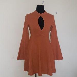 Retro 60s/70s Bell sleeve dress
